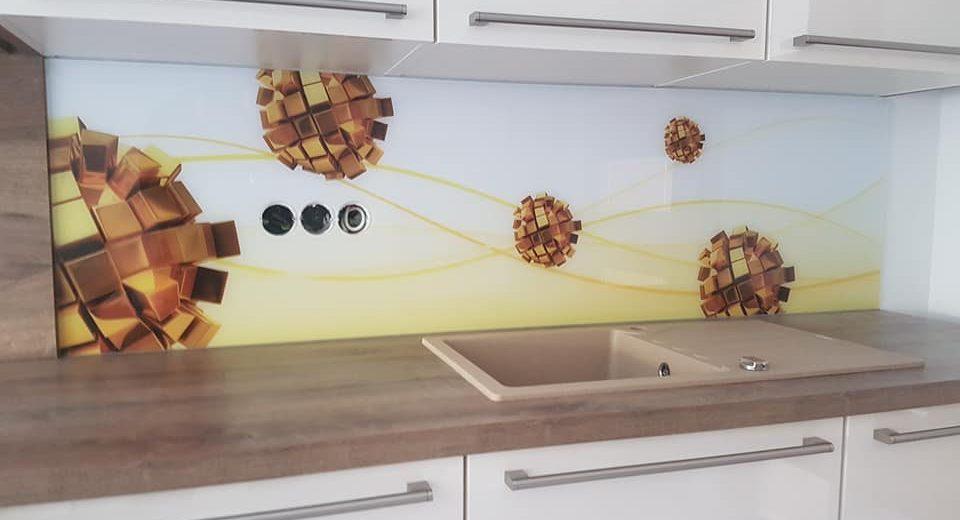 Steklo za kuhinje – poljubna barva, poljubna velikost, poljuben vzorec